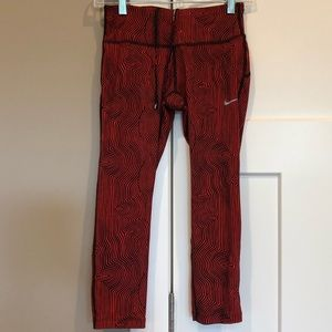 ⚜️Nike red graphic leggings size XS